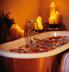 Bath-relaxing-289x300